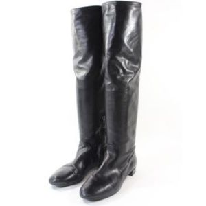 Beautiful   Black Leather Knee High boots
